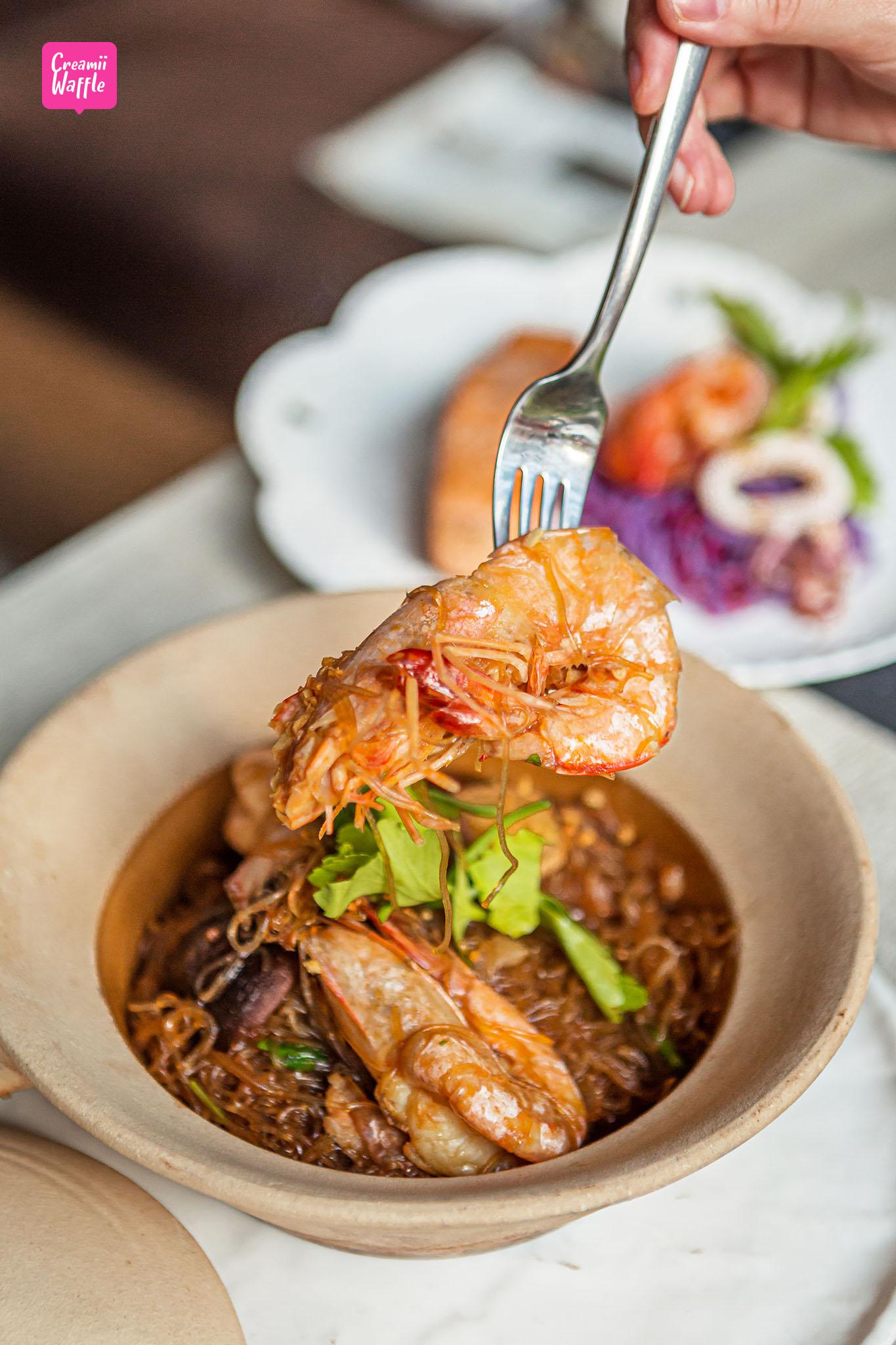 Stone and Star (ชิดลม) ร้านอาหารไทยและบาร์บรรยากาศล้ำๆ