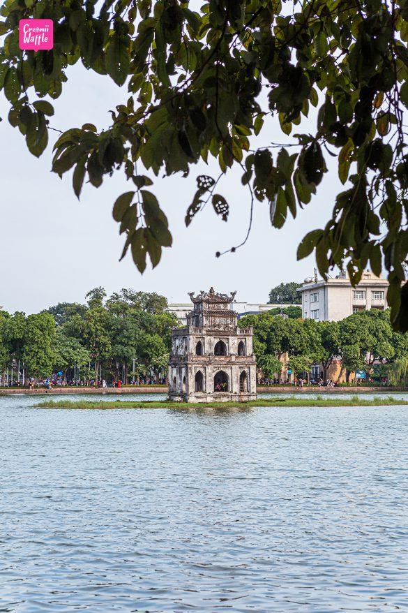 ทะเลสาบคืนดาบ vietnam