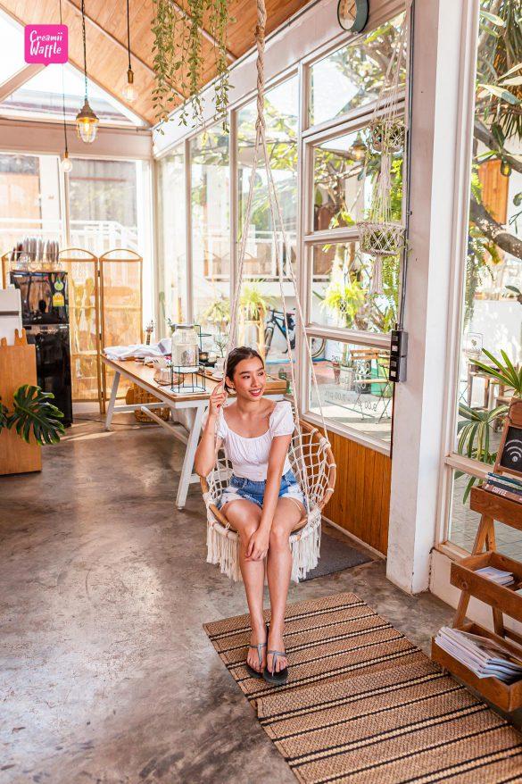 ที่พัก เกาะล้าน บ้านรินรักษ์ (Baan Rinrak Cafe)