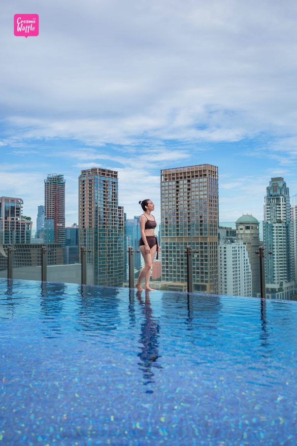Hotel Indigo Bangkok โรงแรม อินดิโก สระว่ายน้ำอินฟินิตี้