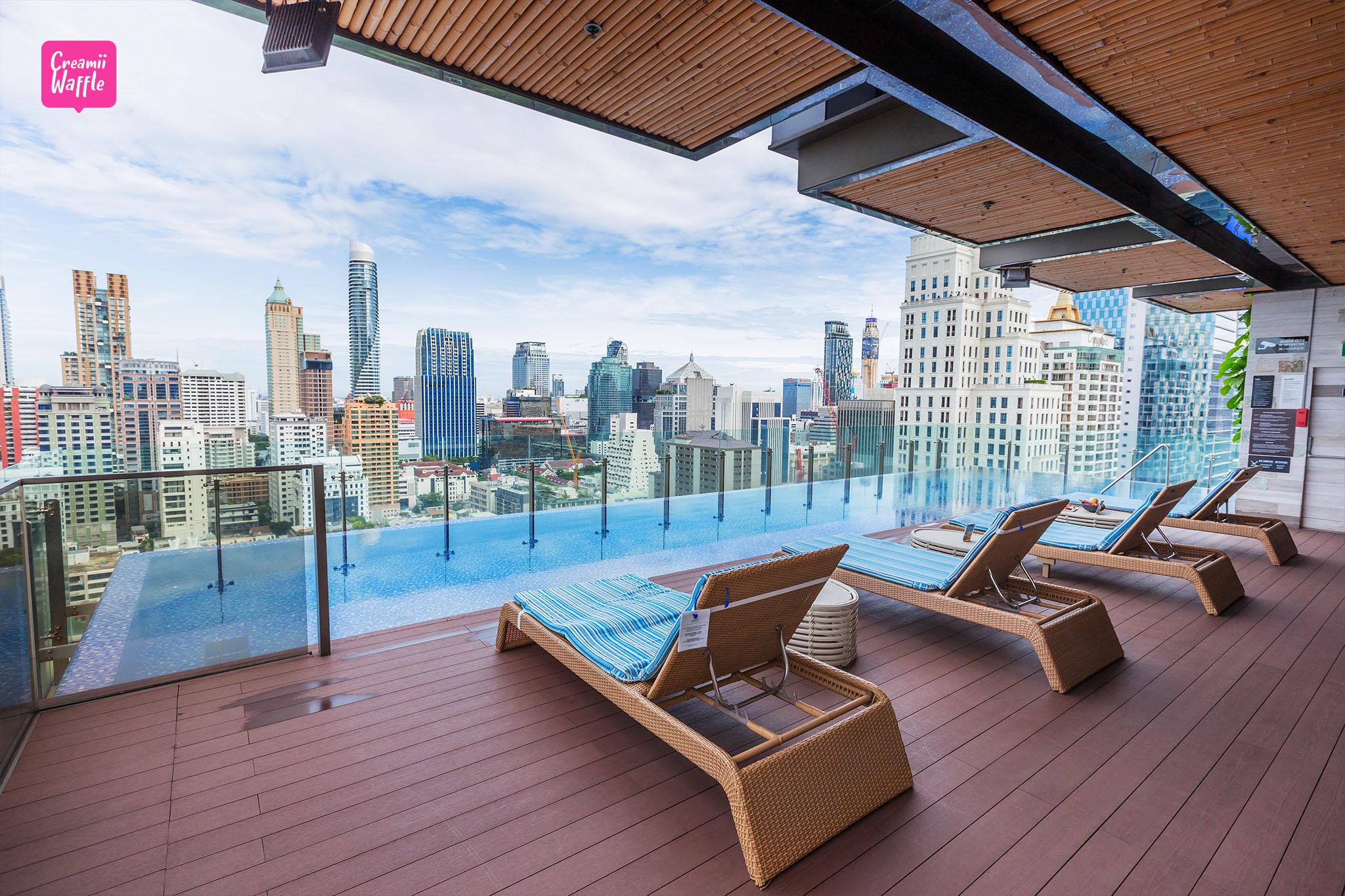 Hotel Indigo Bangkok Swimming Pool