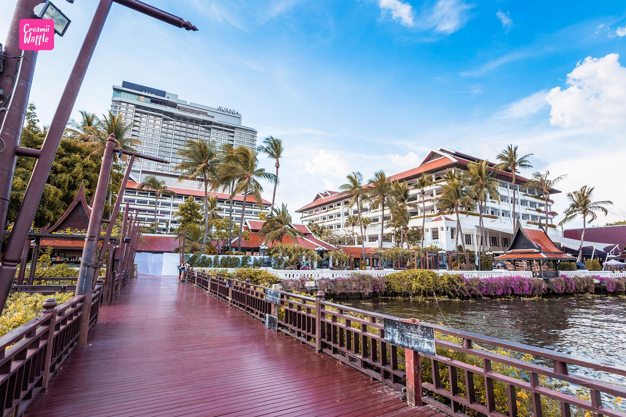 Riverside Terrace Anantara Bangkok Riverside