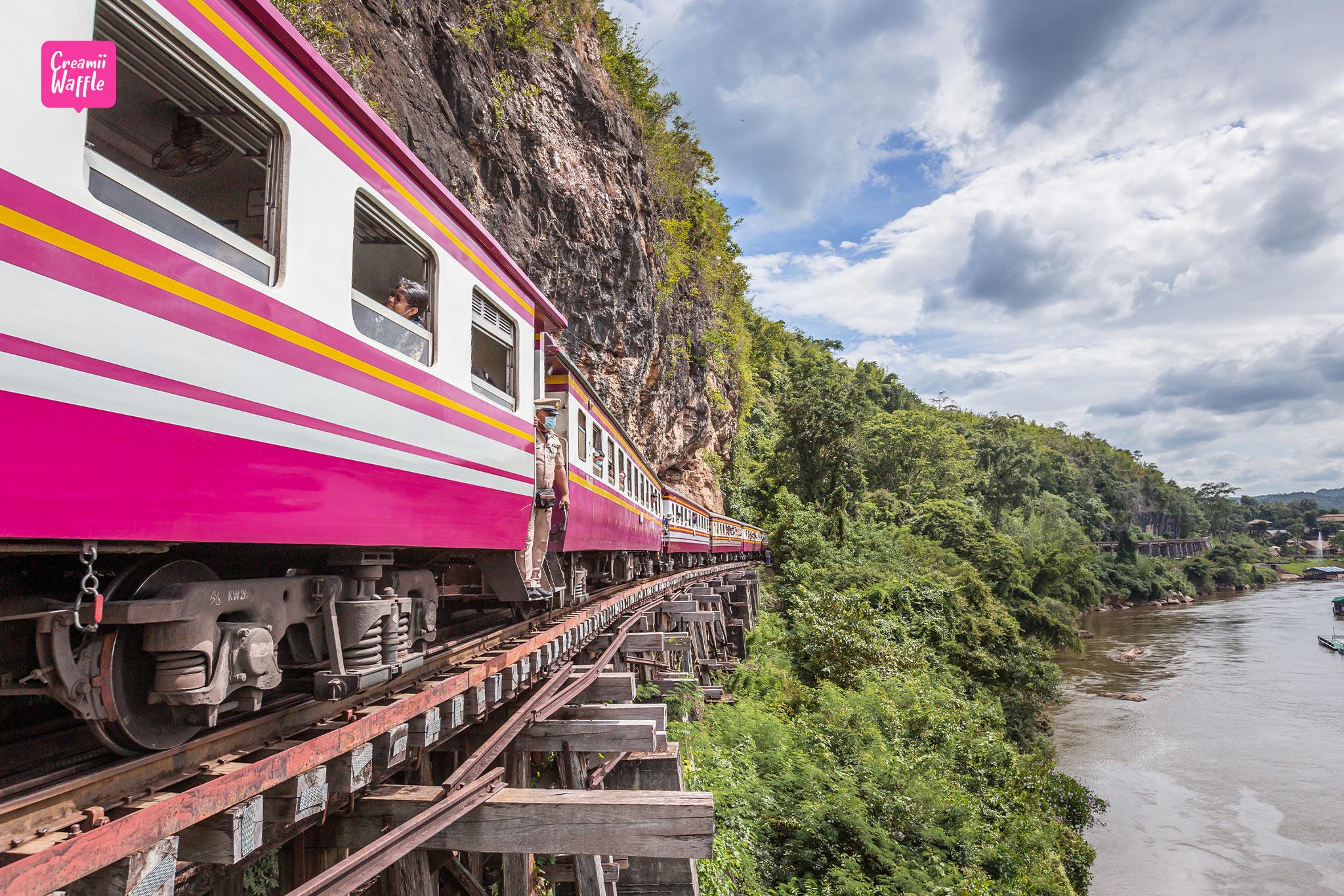 ถ้ำกระแซ ทางรถไฟสายมรณะ กาญจนบุรี