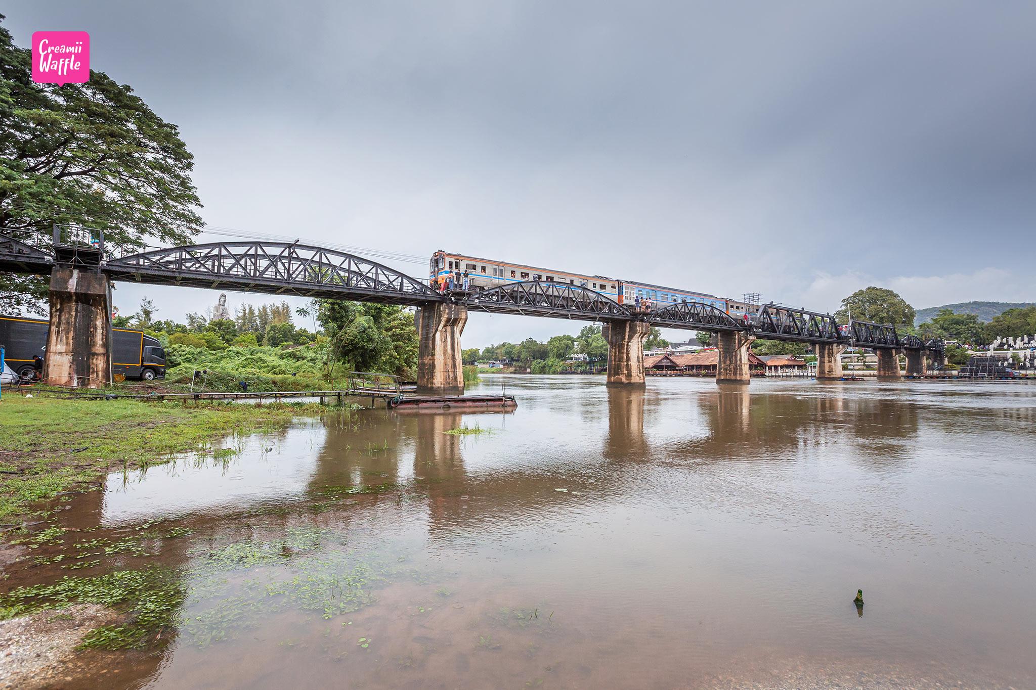 สะพานข้ามแม่น้ำแคว ที่เที่ยวกาญจนบุรี รีวิว