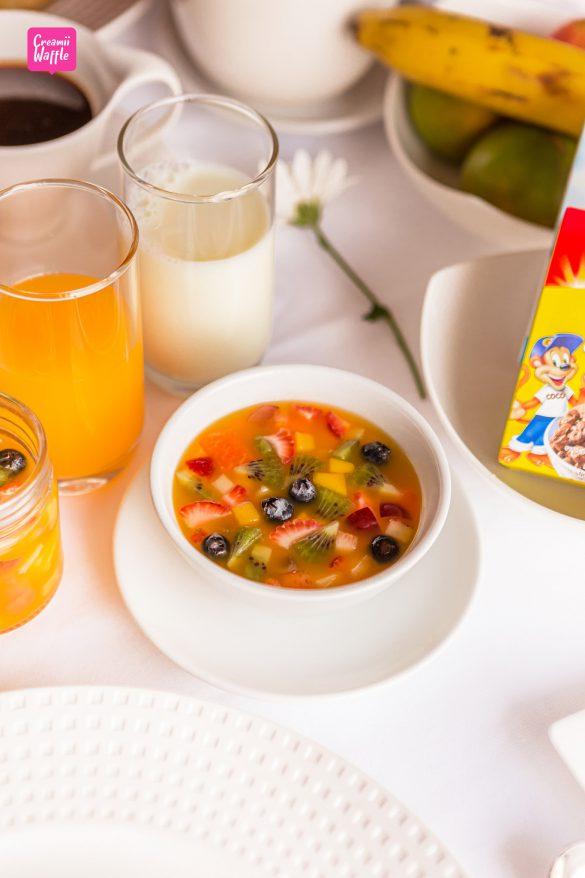 crowneplaza Bangkok Breakfast in bed
